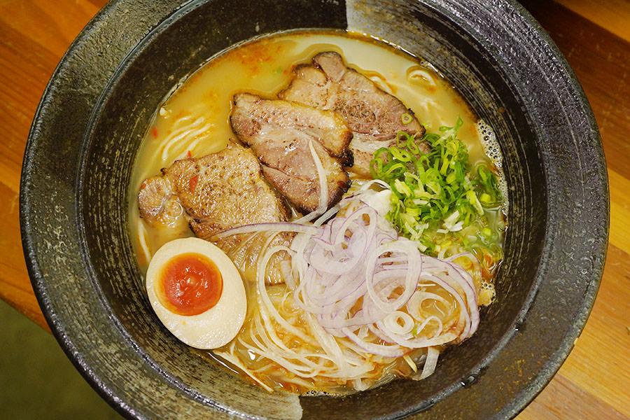 好客麵屋,日月潭暖心美食推薦~日式豚骨魚介拉麵,南投魚池最純正的京都風味!