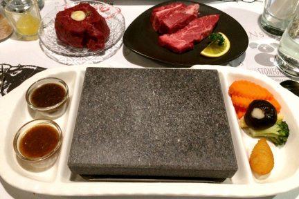 高雄左營   凱恩斯岩燒餐廳 Cairns Stonegrill 牛排400度岩燒超美味!!