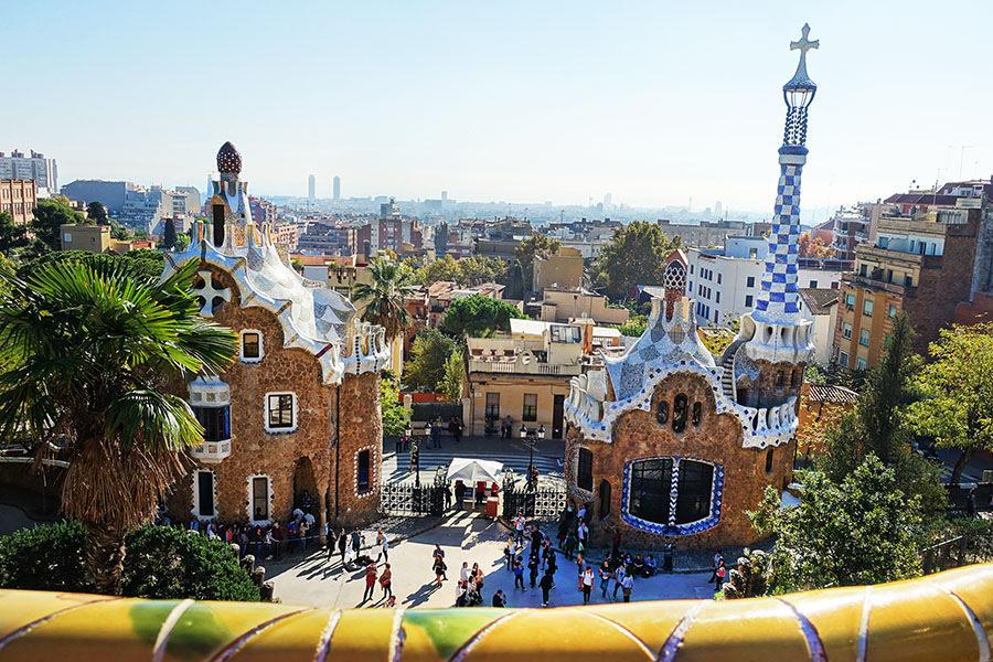 巴塞隆納 Barcelona | 奎爾公園 Parc Güell 天馬行空的童話世界❤