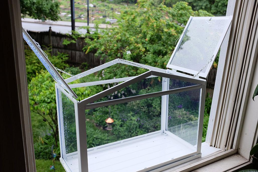 IKEA Socker Hack: Window Bird Feeder | RainyDayMagazine