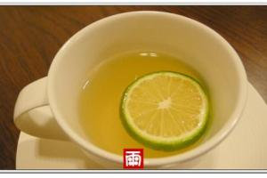 《咳嗽居家療法》溫蜂蜜檸檬水