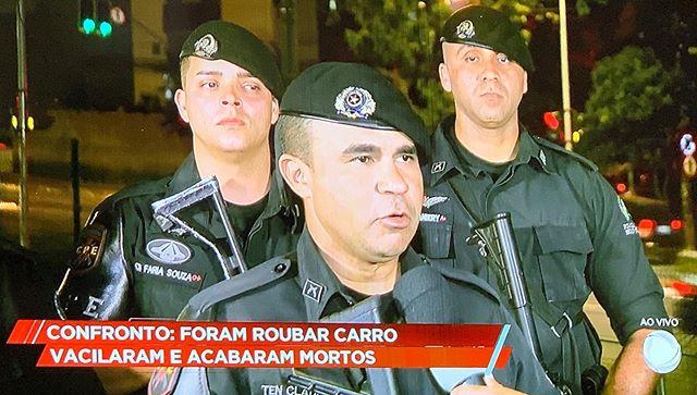 # mortos após trocar tiros com a Polícia