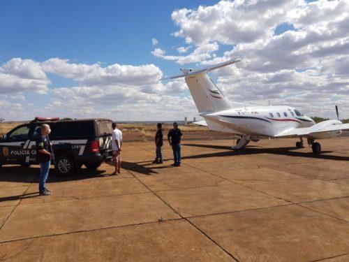Preso por roubo de combustíveis, jovem é transportado de avião de Itumbiara para o DF