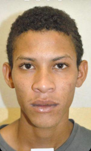 Preso suspeito de roubo a veículo; comparsa segue sendo procurado