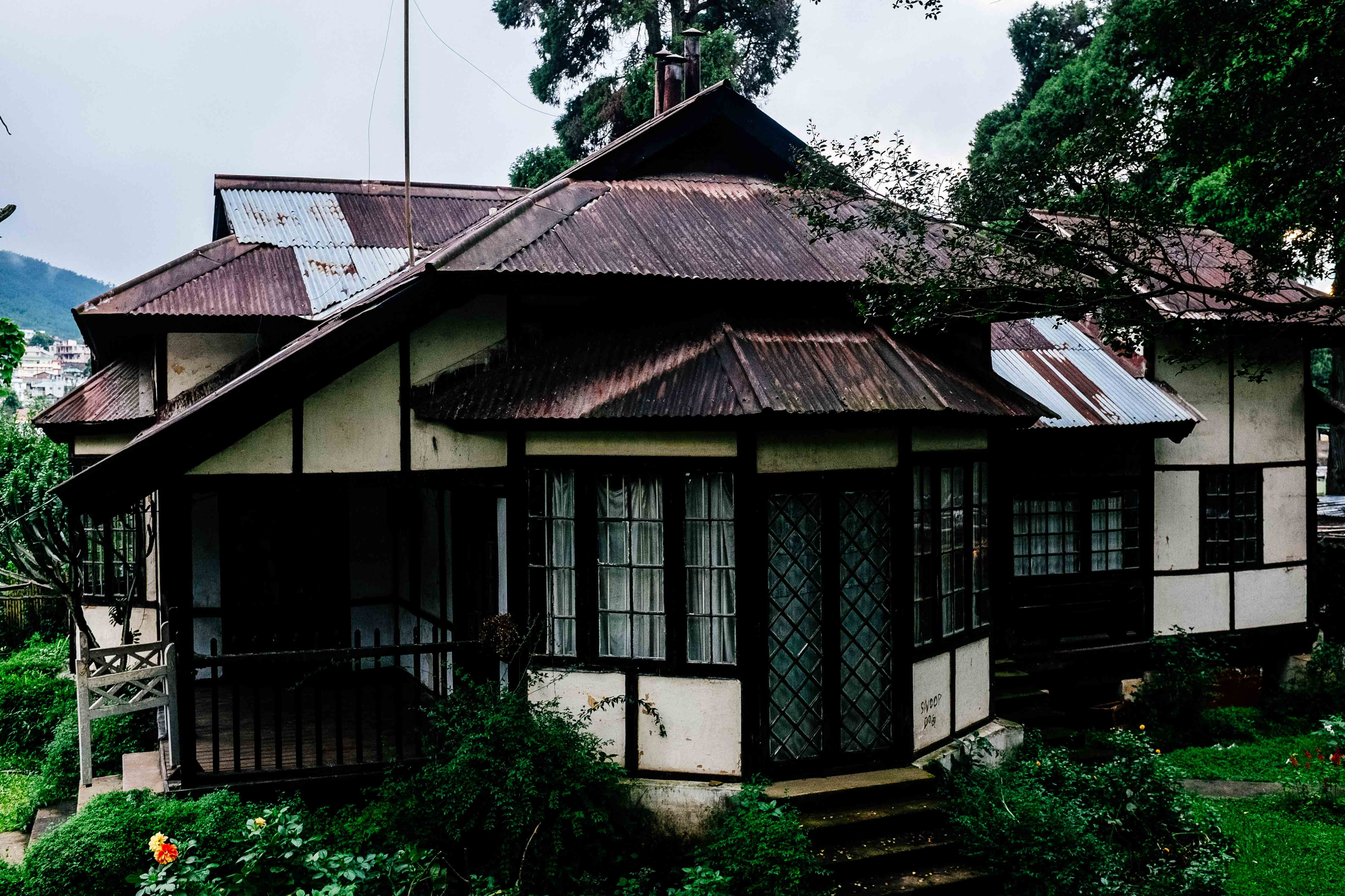 SHILLONG : between tribal urbanity and festering nostalgia