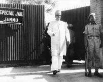 Sheikh-Mohammad-Abdullah-coming-out-of-Jammu-jail-before-returning-to-power.