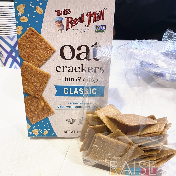 Bob's Red Mill Classic Oat Cracker
