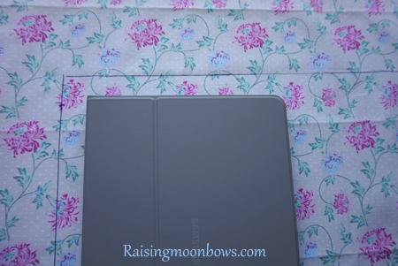 How to make a quick and easy pouch liner for a phone or tablet step 4