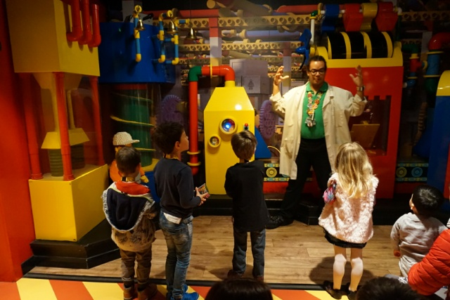 Family Days Out - Legoland Discovery Centre Manchester - factory tour