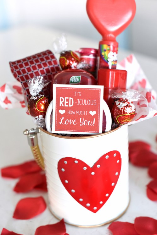 25 diy valentines gift ideas teens will love raising teens today its red iculous how much i love you basket solutioingenieria Gallery
