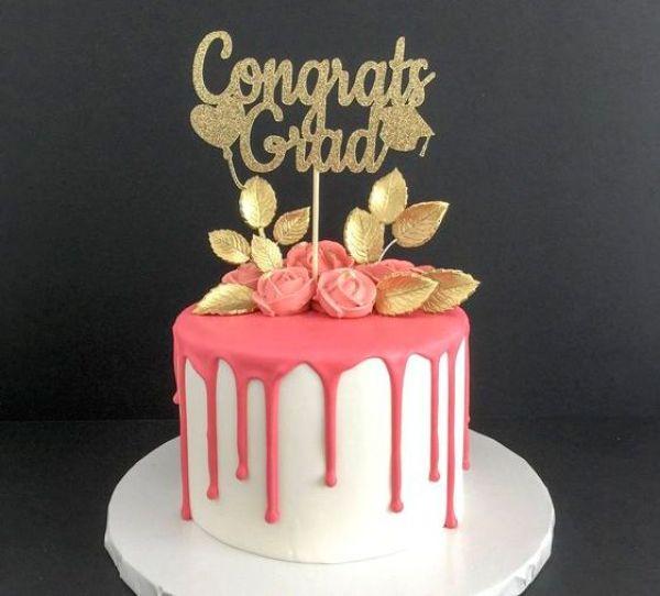 Stupendous 33 Graduation Cake Ideas Your Grad Will Love Raising Teens Today Personalised Birthday Cards Akebfashionlily Jamesorg