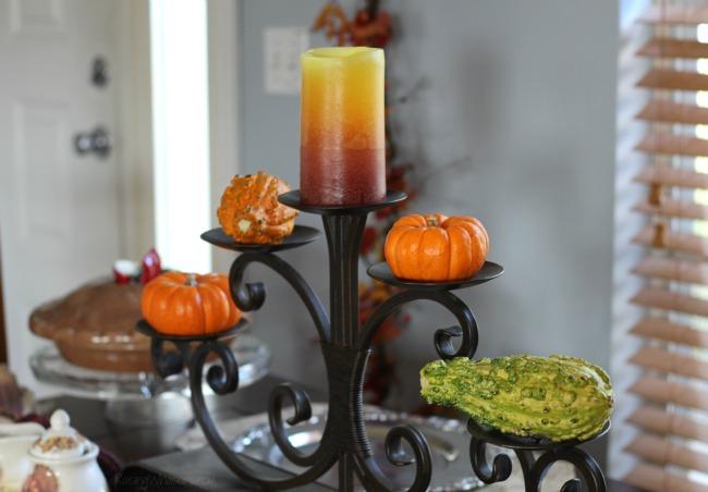 Unique Thanksgiving table decor