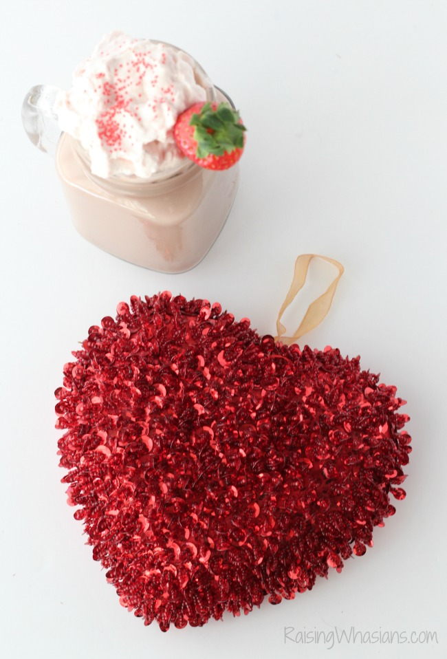 Valentines day hot chocolate Enjoy a perfect date night in with this Easy Strawberry Whipped Cream + Valentine's Day Hot Cocoa Recipe. Easy hot chocolate recipe! #DrinkRecipe #Recipe