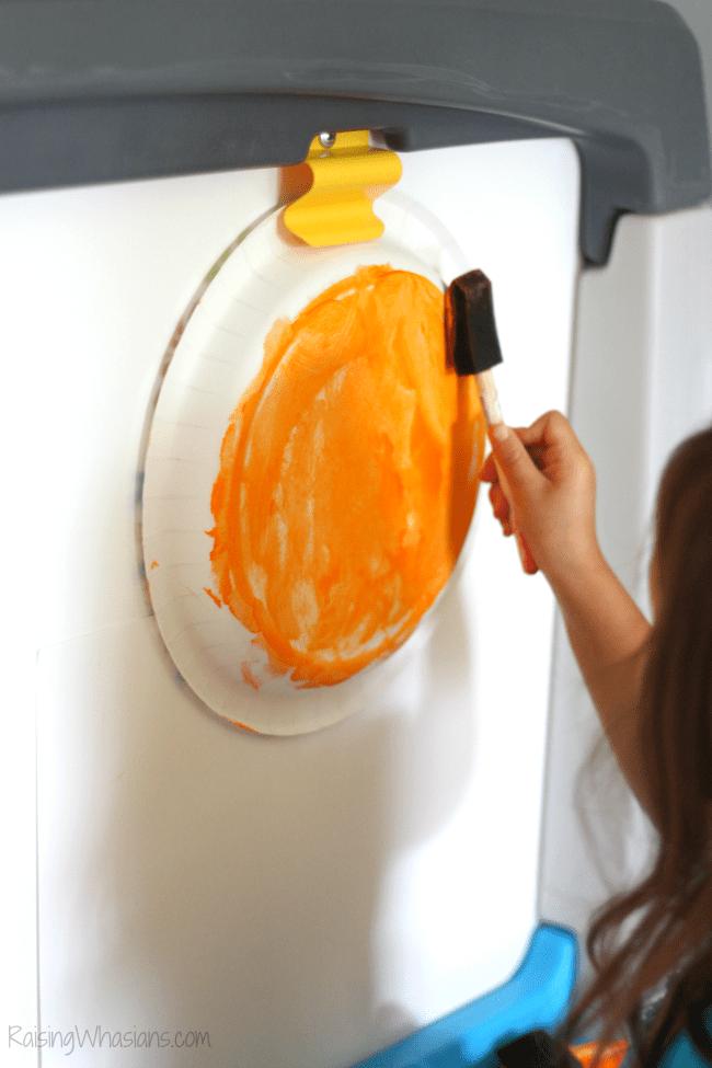 Easy pumpkin paper plate craft