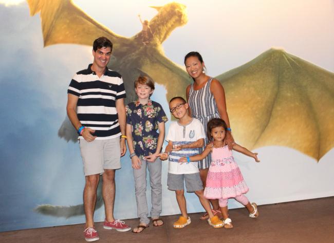 Oakes Fegley photo opp Pete's dragon