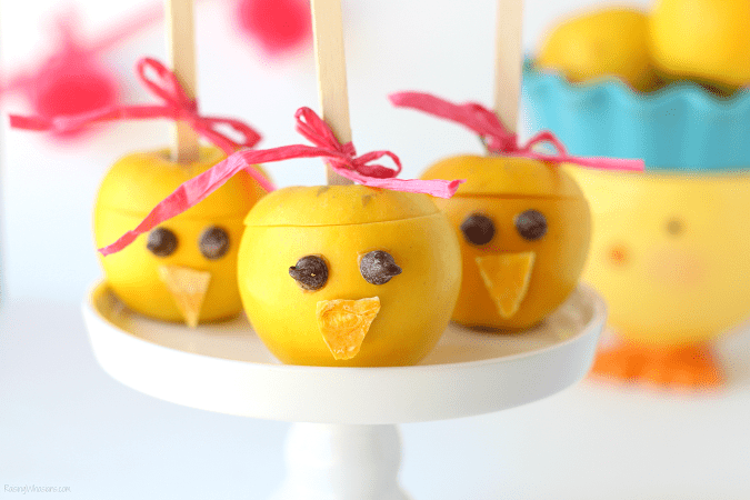Easter chick apples snack