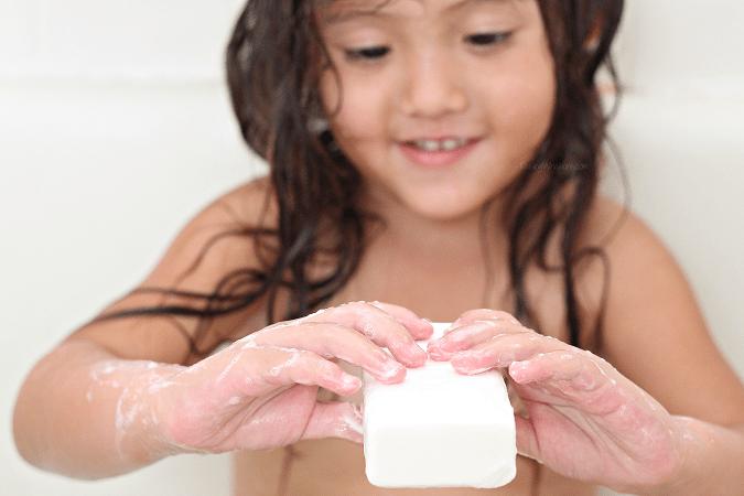 Molluscum contagiosum treatment ivory soap