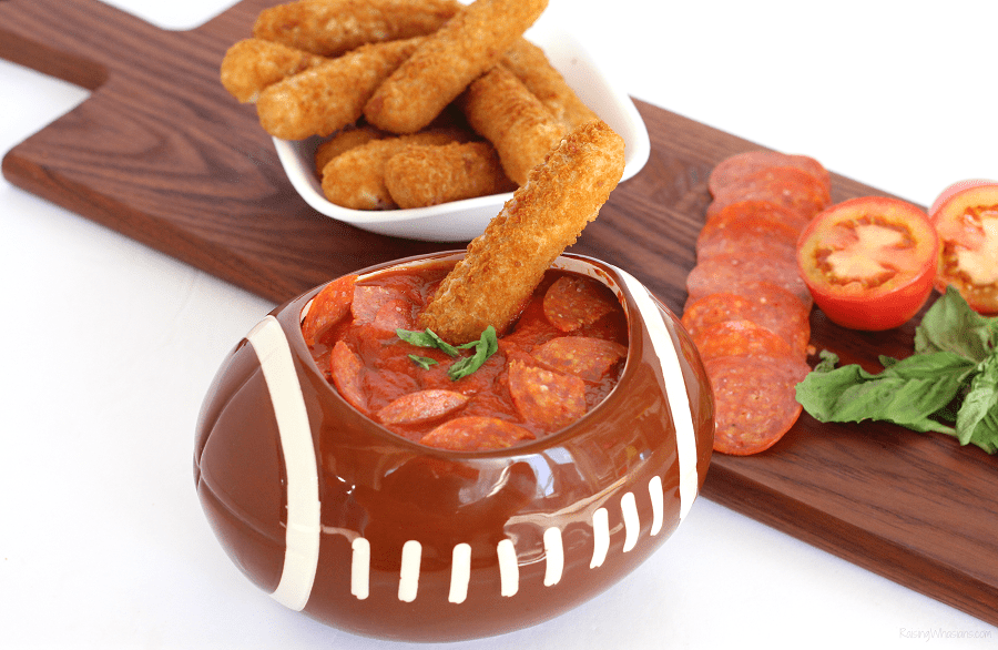 Kick-up your game day eats with this quick and easy Spicy Pepperoni Sauce, perfect for dipping with Farm Rich Snacks + easy game day ideas for busy moms #Recipe #FootballParty #partyPlanning