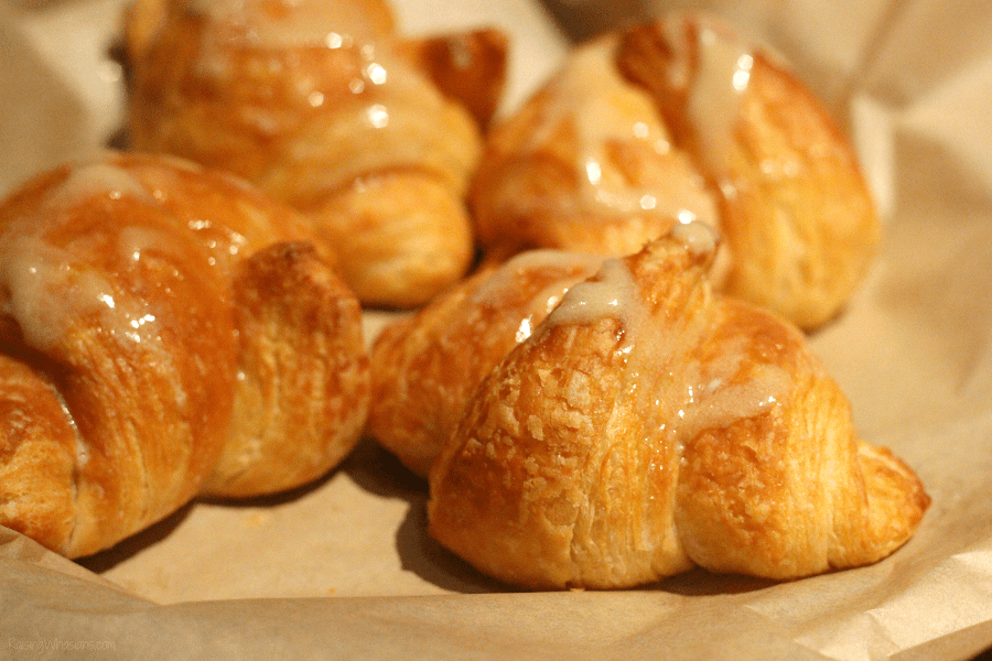 Cheddar's honey butter croissants