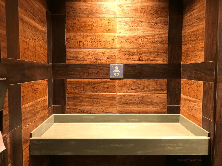 Frozen bathroom details