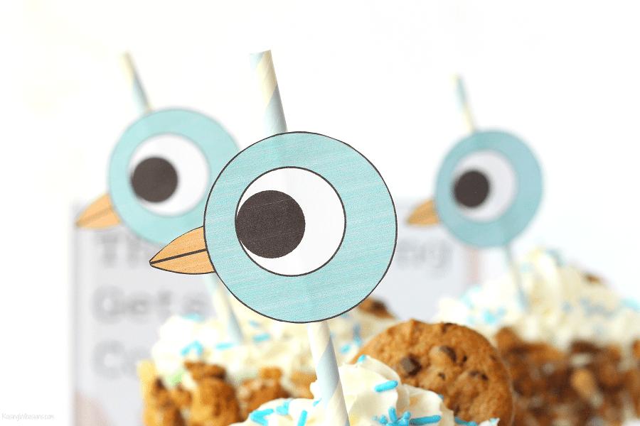 FREE Pigeon Printable Straw Topper + 16th BIRD-day Milkshake | Celebrate Mo Willems Pigeon's birthday with easy freakshake recipe, perfect themed party idea #BirthdayParty #PartyPlanning #Recipe #FreePrintable #FreakShake #Dessert
