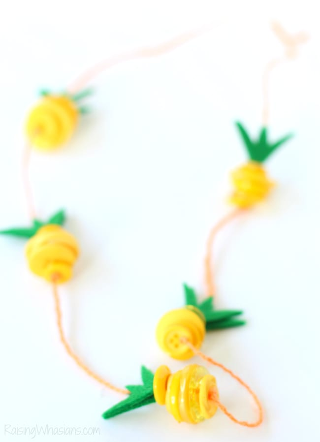 Button necklace kids craft