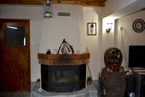 Камина в Механата на Къща за гости Райски Кът Мезек