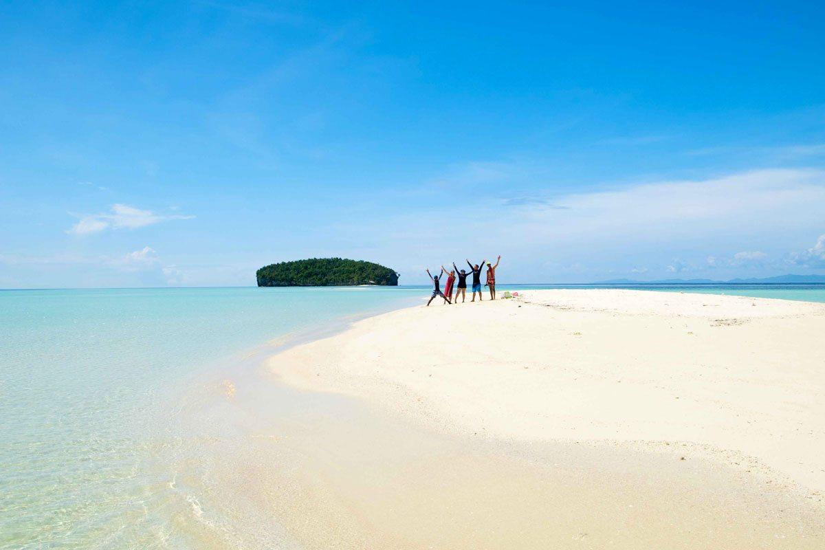 raja ampat activities islandhoping