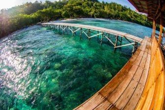 raja ampat resort jetty 5