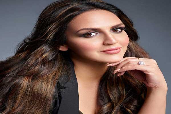 Hackers eye on Bollywood celebs social media accounts, now Esha Deol Instagram account hacked