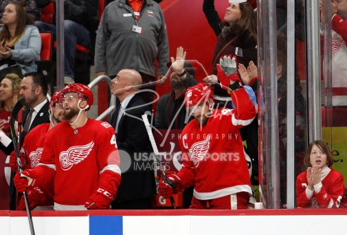 Feb 24, 2018; Detroit, MI, USA; Detroit Red Wings center Henrik Zetterberg (40) thanks the crowd after scoring a goal during the second period against the Carolina Hurricanes at Little Caesars Arena. Mandatory Credit: Raj Mehta-USA TODAY Sports