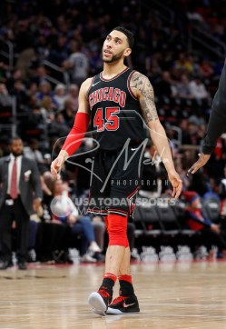 Mar 24, 2018; Detroit, MI, USA; Chicago Bulls forward Denzel Valentine (45) looks up just after the second quarter against the Detroit Pistons at Little Caesars Arena. Mandatory Credit: Raj Mehta-USA TODAY Sports