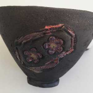 bol-noir-fleurs-cerisisers