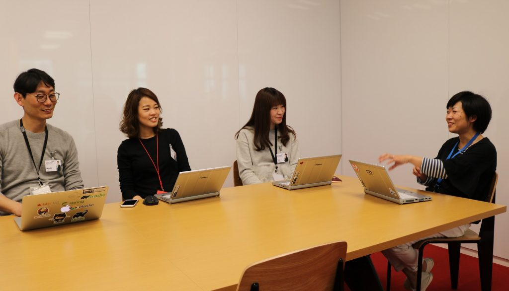 Woojin, Sunny, Tina and Yuki discuss Rakuten Golden Kids and some of the other initiatives provided by Rakuten that help them to juggle work and family commitments.