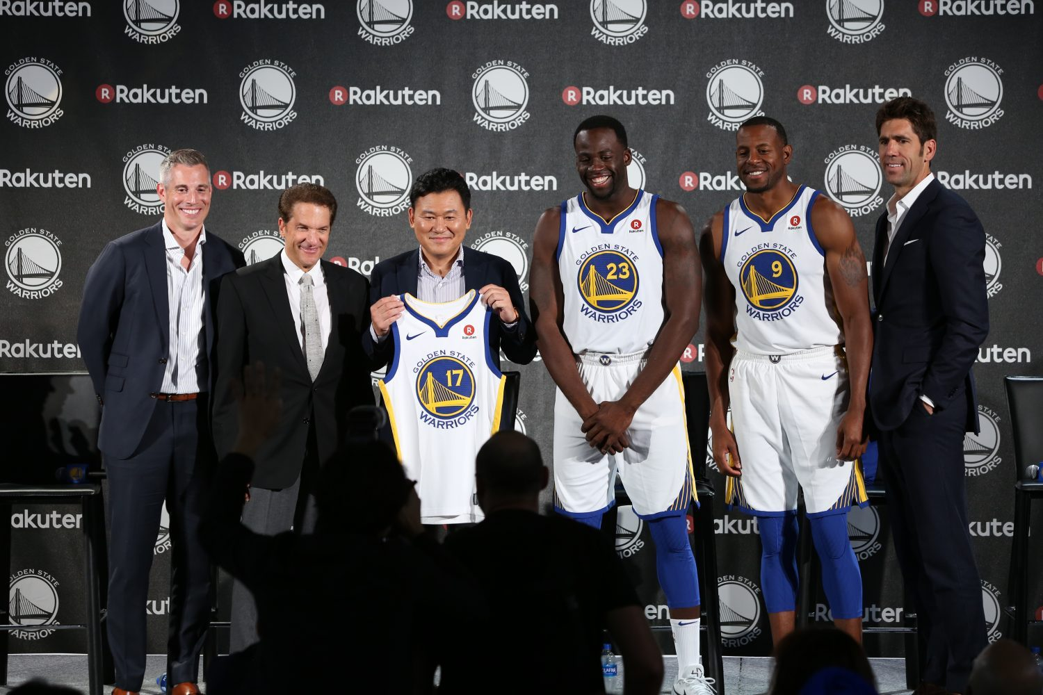 "Rakuten CEO Hiroshi ""Mickey"" Mikitani announces partnership to become the first-ever jersey-badge partner of the Golden State Warriors."