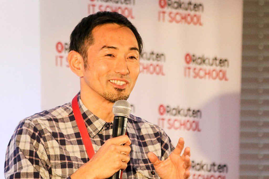 The judging panel at the 11th annual Rakuten IT School Championships included one of Japan's most successful sprinters of all time, Dai Tamesue.