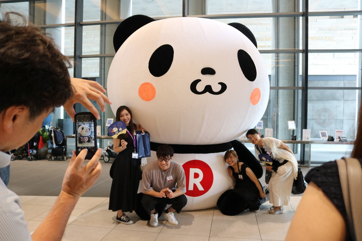 The halls of Crimson House rang with laughter and excitement as hundreds of children roamed the offices of Rakuten's Tokyo headquarters for Family Day.