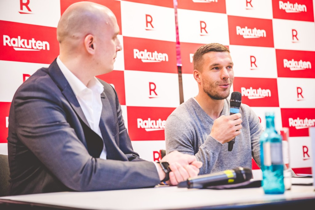 The cup, which was broadcast live on German national television, also provided the perfect stage to announce a new collaboration between Rakuten and Podolski.