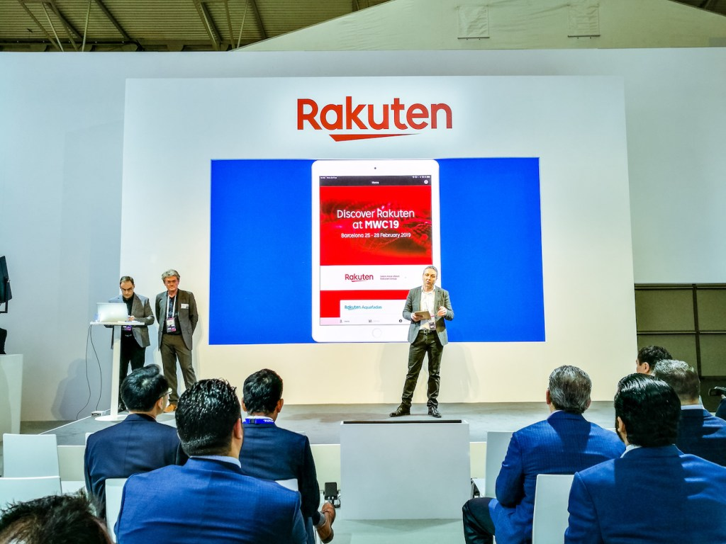 Olivier Alluis, CEO of Rakuten Aquafadas shows how to easily build and manage visually attractive apps.