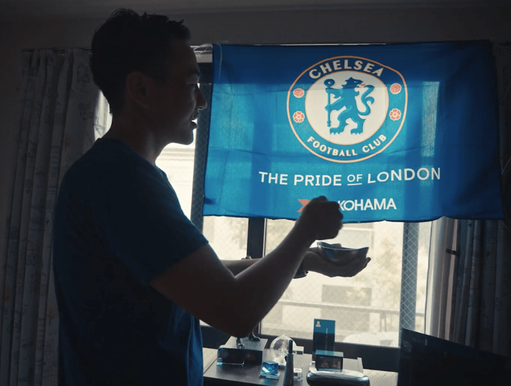 Buyanyogtokh offers prayers and incense ahead of Chelsea's match with Barcelona.