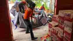 Plt Gubernur Sulsel Bantu Korban Angin Puting Beliung Terjang 5 Desa di Bone