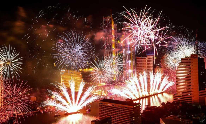 pesta kembang api di thailand