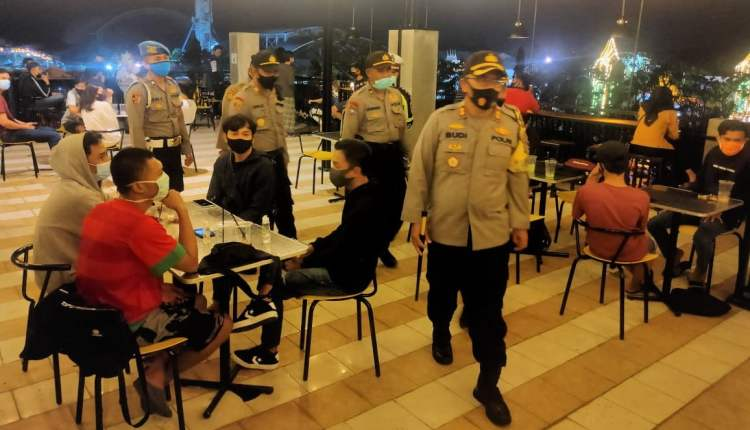 Kapolres Bojonegoro Pimpin Patroli Gabungan Cegah Penyebaran Covid-19,