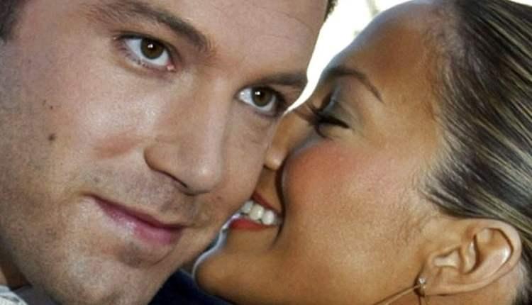 """Bennifer"" kembali, Ben Affleck dan Jennifer Lopez kedapatan berciuman"