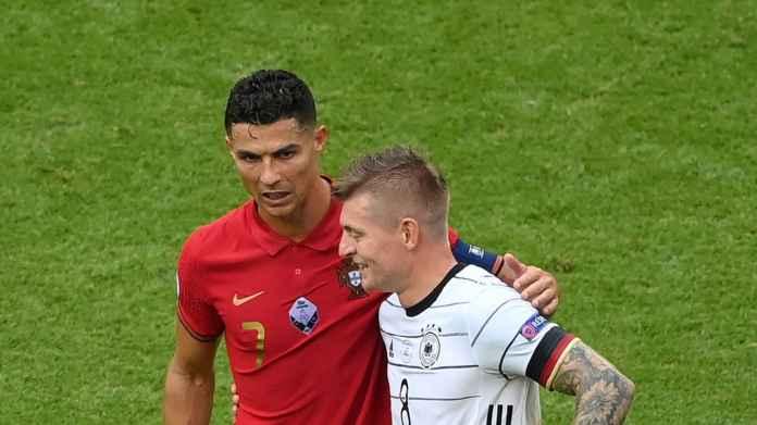 Toni Kroos Ungkap Isi Percakapannya Dengan Cristiano Ronaldo