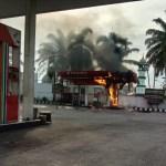 Pompa minyak yang terbakar di SPBU Tanjung Mulia. Foto: Istimewa