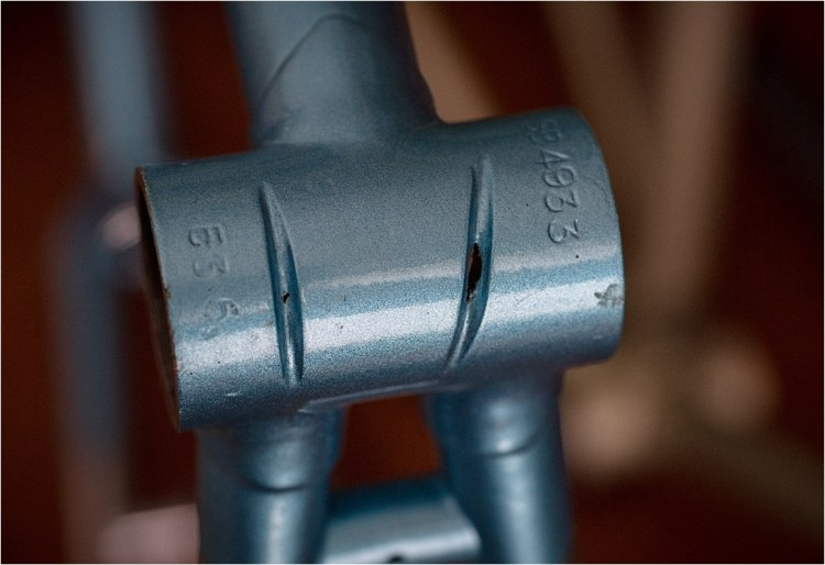 SB4933 RGF Bottom Bracket Cable Guide