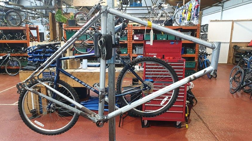 MK5 Professional WB1002137 In Workstand Recyke y Bike