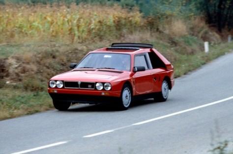 1985_Lancia_Delta_S4.jpg