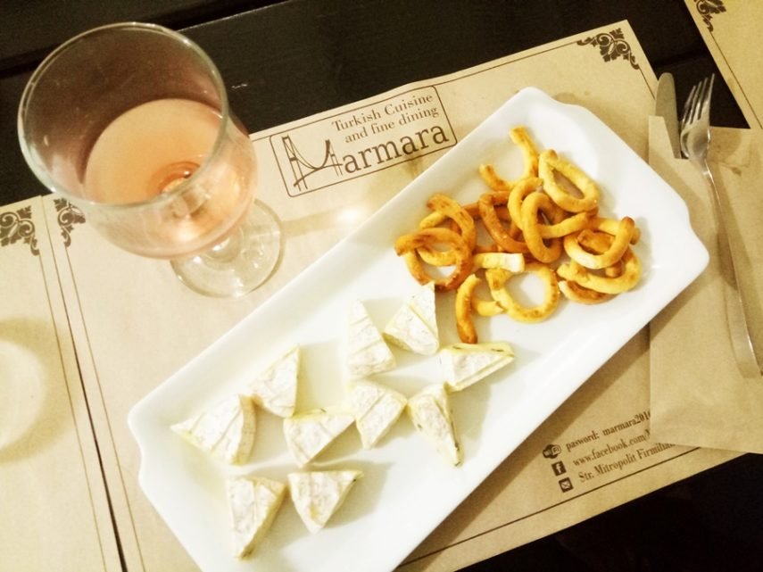 Budureasca Rose sec – Brie au bleu, crackers